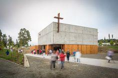 Gallery of San Alberto Magno Chapel / Juan Pavez Aguilar + José Requesens Aldea - 8