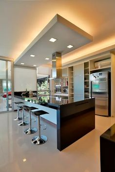 Home Decor Kitchen, House Design, Kitchen Flooring, Luxury Kitchens, Contemporary Kitchen, Kitchen Inspiration Design, Kitchen Room Design, Modern Kitchen Interiors, Home Interior Design
