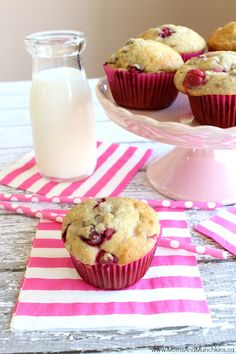 This delicious cranberry banana muffins recipe is so easy to make! You can also substitute chocolate chips in place of the cranberries. Both ways are yummy!
