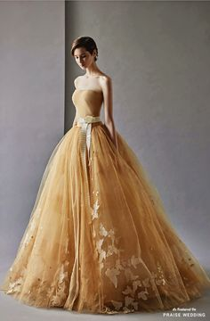 This gorgeous golden gown from Shine Wedding is the definition of whimsy elegance! Evening Dresses, Prom Dresses, Wedding Dresses, Dress Prom, Dress Long, Beautiful Gowns, Beautiful Outfits, Casual Dresses, Fashion Dresses