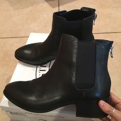 Steve Madden black leather ankle boots Steve Madden black leather ankle boots with back zipper. Pre owned in excellent condition! Comes with box Steve Madden Shoes Ankle Boots & Booties