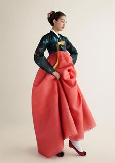 traditional Korean dress by Sukhyun Hanbok