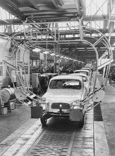 R4 à l'usine