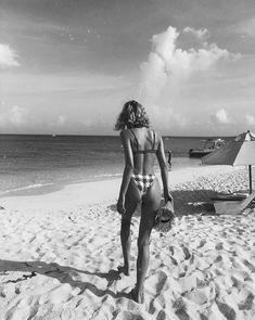 Joyce beach photos, beach photography, fashion photography, black and Fishing Photography, Beach Photography, The Beach, Beach Bum, Kreative Portraits, Black And White Beach, Summer Aesthetic, Photo Instagram, Beach Pictures