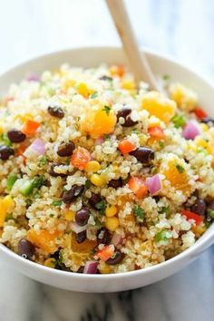 ensalada de patata, quinoa, frijoles y verduras