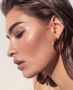 Pinterest: DEBORAHPRAHA ♥ bronze makeup with highlighter and brown eyeshadow #summer #makeup #looks
