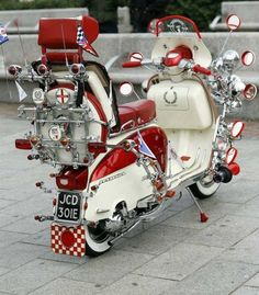 Mod scooter long before full dress Honda goldwing were even thought of. Vespa Motor Scooters, Lambretta Scooter, Scooter Motorcycle, Mobility Scooters, Retro Scooter, Scooter Girl, Retro Roller, Desert Boots, Vintage Motorcycles