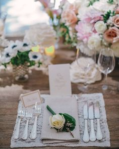 Lace Placemats and Linen Napkins topped off with a yellow rose. Simple and Classic. Wedding Spot, Wedding Pics, Chic Wedding, Rustic Wedding, Wedding Dreams, Diy Centerpieces Cheap, Book Centerpieces, Table Setting Inspiration, Disney Wedding Dresses