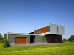 Riverhouse Niagara by Zerafa Studio