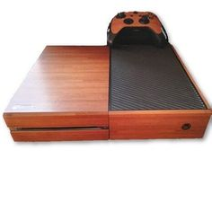 (*** http://BubbleCraze.org - It's fun, it's free and it's wickedly addicting. ***)  Wooden Box Skin - Xbox One Protector