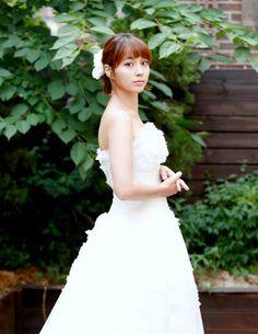 #Minjung Lee / Rhee #이민정