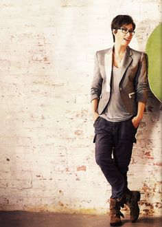 #androgynous, #lesbian. #style (I don't think she looks androgynous, and I am not a lesbian, but I LOVE this outfit so I'm pinning it!!)