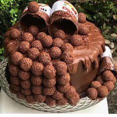 Woow so yummy Who love this Nutella cake 🥰❤️! Tag your friends and fol. Chocolate Truffle Cake, Chocolate Desserts, Chocolate Nutella, Truffle Food, Nutella Cake, Chocolate Truffles, Sweet Recipes, Snack Recipes, Dessert Recipes