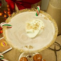 Get in the Holiday spirit with this creamy and flavorful Chai Tea Eggnog Cocktail served on a martini glass and garnished with fresh whipped cream. Chips Recipe, Icing Recipe, Eggnog Cocktail, Quiche Lorraine Recipe, Crock Pot Bread, Moist Vanilla Cake, Free Angel, Apple Chips, Sweet Potato Chips