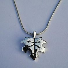 The maple tree is such a popular tree so I decided to do a pendant of a maple leaf for the nature lovers! Silver Jewellery, Sterling Silver Jewelry, Arrow Necklace, My Etsy Shop, Jewels, Pendant, Check, Handmade