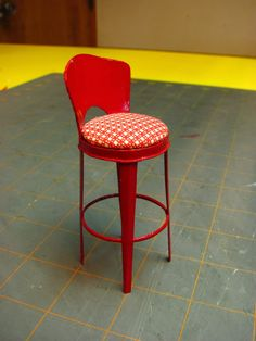 Dollhouse Miniature Furniture - Tutorials | 1 inch minis: 1 INCH SCALE VINTAGE KITCHEN STOOL - How to make a vintage kitchen stool from card stock.