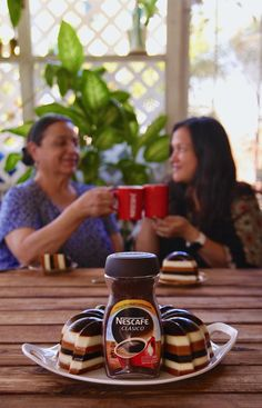 #ad Savor the moments of @nescafelatino with a slice of @nescafe con leche y cajeta gelatina!
