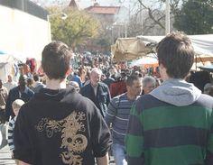 Jovens na Feira da Ladra #Lisbon
