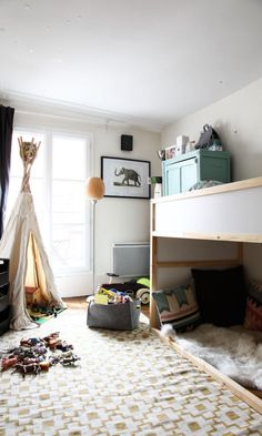 charlotte balme et jean duhamel melchior 3 ans cool kids roomsroom - Ikea Shared Kids Room