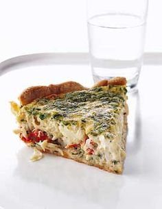 With a store bought pie crust, a quiche comes together in minutes. This quick quiche features crab meat, fresh herbs, and grated cheese mixed together in a Crab Recipes, Quiche Recipes, Gourmet Recipes, Cooking Recipes, Strata Recipes, Veggie Recipes, Salad Recipes, Recipies, Quiches