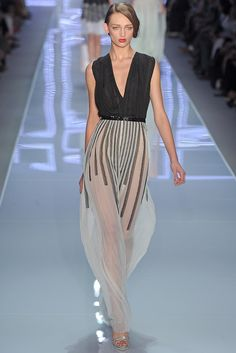 Christian Dior Spring 2012... not sure if i would ever wear these bottoms.. but it is a neat design.... very resort wear.