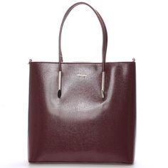 #hit #2016  Novinka našeho e-shopu. Luxusní model od značky Maggio je odrazem elegance, luxusu a stylovosti. Vínová saffianová kabelka Maggio Florida je opravdovým skvostem, perfektní tvar, jemné doplňky, čistota designu. Vezměte si ji na společenskou akci, ale i do práce nebo jen tak do města.