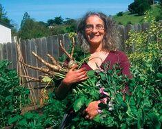 Meet Present-Day Farmer Rachel Kaplan, Urban Homesteader in Northern California and author of Urban Homesteading.  Visit her website: http://urban-homesteading.org/