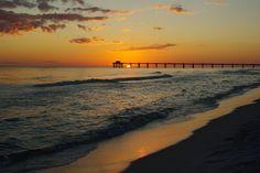 Destin beach houses put you in position to enjoy countless outdoor activities. #Destin #beach #vacation