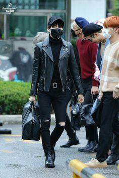 •161028 #BTS Arriving at Music Bank  || #BloodSweatTears | #Suga