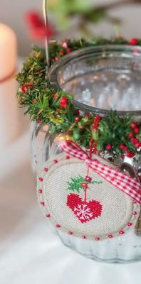 Fingerhut Dahlbeck...what an adorable ornament...perfect for small images.