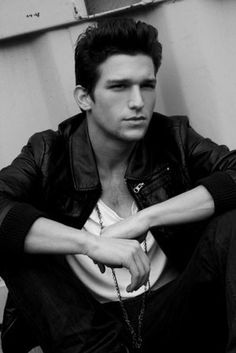 "Daren Kagasoff) hey... Im Dawson. Im 19 and single. I have three siblings and im their guardian. Well here at least, my parents are back in the U.K. Weve been here for a couple years. I like to draw, sketch, listen to music, graffiti, party, meet new people, and i am a tattoo artist"" I chuckle. ""hit me up ladies"