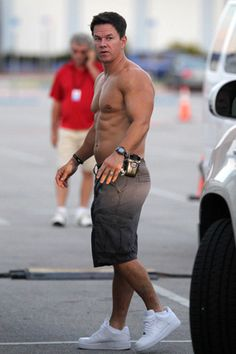 Mark Wahlberg Photos: Mark Wahlberg and The Rock Film 'Pain and Gain' in Miami Mark Wahlberg, Celebrity Bodies, Celebrity Crush, Celebrity Guys, Celebrity Style, Top Celebrities, Celebs, Hottest Male Celebrities, Celebrity Workout