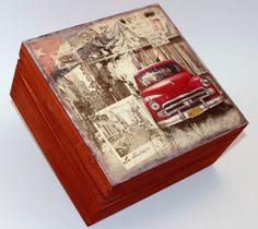 Tea box from Kuba :) Decoupage Glass, Napkin Decoupage, Decoupage Box, Decoupage Vintage, Wooden Crates, Wooden Boxes, Wooden Tea Box, Creative Box, Altered Boxes