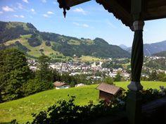 Kitzbühel: Urlaub in den Bergen, genauer gesagt Urlaub auf dem Unterleitenhof in Kitzbühel. Der perfekte Ort für einen Familienausflug bzw. ein Familienwochenende in den Bergen. Mehr dazu auf Jules & Pi www.julesandpi.de