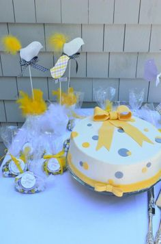 Yellow and Grey Baby Shower | Yellow and Gray Dot Baby Shower Cake