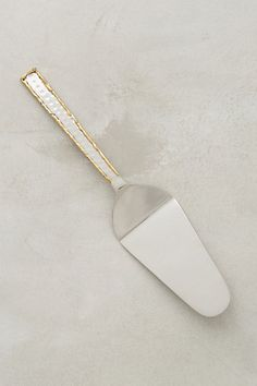 $12.00- Besart Cake Server #anthropologie
