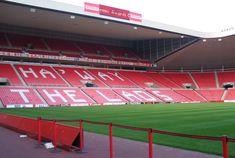 Stadium of Light, Sunderland, Inglaterra. Capacidad 49.000 espectadores, Equipo local Sunderland.