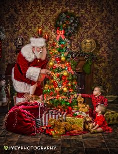 The Best Santa Claus Portrait Experience in Dallas Fort Worth – Dallas-Fort Wort… – Winter Craftsy Bloğ Vintage Christmas Images, Victorian Christmas, Retro Christmas, Father Christmas, Santa Christmas, Christmas Time, Vintage Santa Claus, Vintage Santas, Santa Pictures