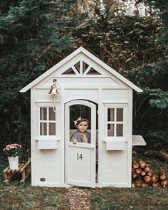 Outdoor Fun For Kids, Wooden Playhouse, Diy Store, Window Boxes, House Numbers, Wooden Shelves, One Bedroom, Play Houses, Kids Playing