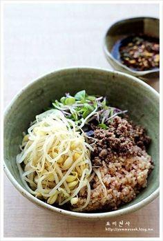 콩나물비빔밥 만드는법, 우리집 주말밥상 – 레시피   Daum 요리 Korean Dishes, Korean Food, K Food, Vegetable Rice, Cooking Photos, Asian Recipes, Ethnic Recipes, Steamed Rice, Rice Bowls