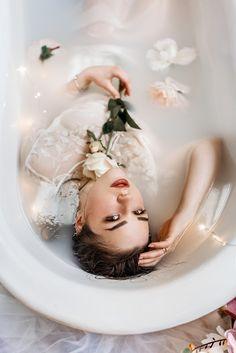 Conceptual Photography, People Photography, Photography Portfolio, Creative Photography, Milk Bath Photography, Boudoir Photography, Portrait Photography, Foto Rose, Milk Bath Photos