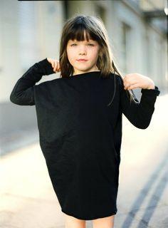 Sukienka oversized-Girl czarny (proj. Patkas), do kupienia w DecoBazaar.com