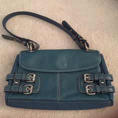 Franco Sarto Purse Only worn a few times, very good condition  (willing to trade, feel free to make an offer, I will lower prices if you purchase more than just one item just let me know ahead of time so I can put them in the same listing) Franco Sarto Bags Shoulder Bags