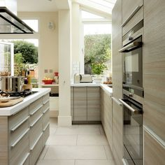 Modern Pale-Wood Kitchen Design