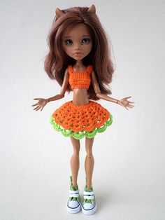 PlayDolls.ru - Играем в куклы: Апельсиновая кошечка: Одежда для кукол. (38/62) Monster High Doll Clothes, Custom Monster High Dolls, Monster Dolls, Monster High Repaint, Crochet Monster High, Pokemon Dolls, Crochet Barbie Clothes, Cute Dolls, Amigurumi Doll