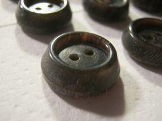 30 Stück Büffelhornknöpfe,Braun,Konisch,Durchmesser ca.18 mm,Neu,Handgefertigt,Naturprodukt,Lübecker Knopfmanufaktur von Knopfshop auf Etsy