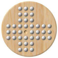 Ein online Solitär auf einem unsymmetrischen 3-3-2-2 Brett. Eines von 5 spannenden Solitär Brettspiel Varianten kostenlos auf ratehase.de