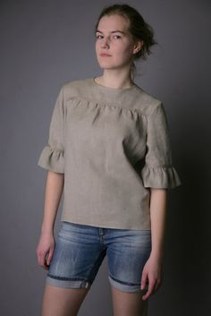 Linen Blouse Fashionable/ Flax Blouse With Frill Sleeves/ Linen Blouse Elegant/ Linen Blouse Sleeves/ Linen Top With Back Fastening Kurta Designs, Blouse Designs, Blouse Styles, Mode Outfits, Fashion Outfits, Women's Fashion, Fashion Tips, Short Tops, Ladies Dress Design