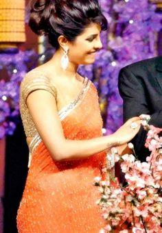 #Priyanka Chopra Style #Bollywood #Saree At #TOIFA #Awards