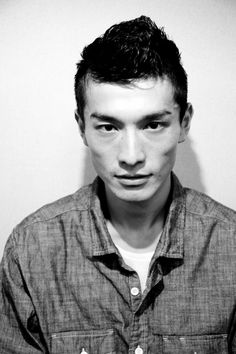 daisuke ueda, backstage at vanquish's spring 2011 show. what an interesting face Japanese Face, Japanese Men, Face Reference, Anatomy Reference, Character Reference, Sartorialist, Comme Des Garcons, Black And White Portraits, Interesting Faces